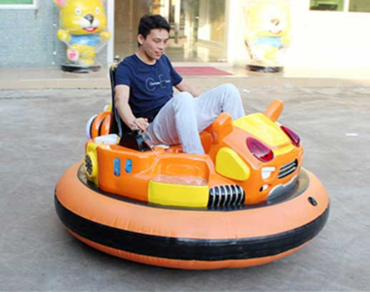Battery  inflatable bumper cars rides